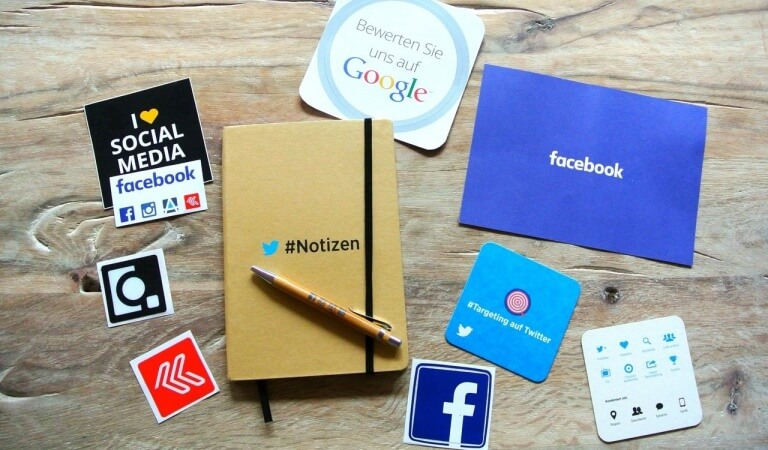 4 BEST WAYS TO EARN FROM YOUR OWN SOCIAL MEDIA PAGES?