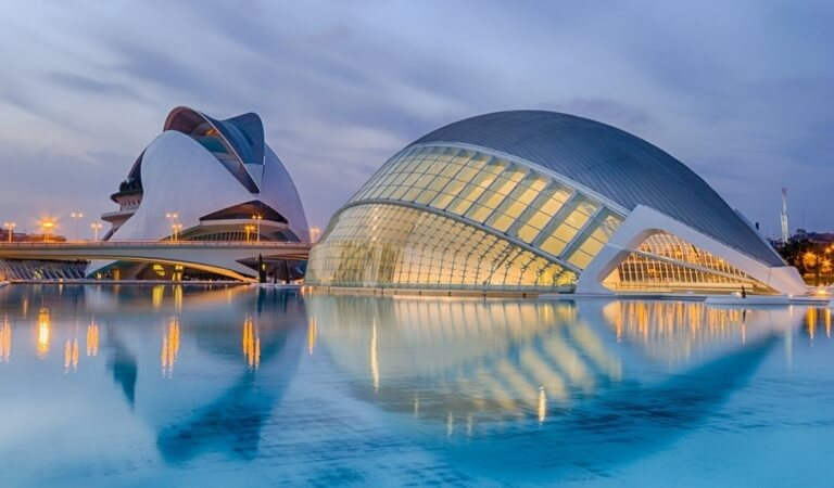 10 MOST BEAUTIFUL CONSTRUCTIONS IN THE WORLD