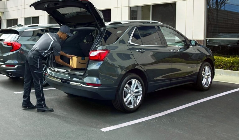 Amazon launched the delivery of parcels in the trunk of the customer's car