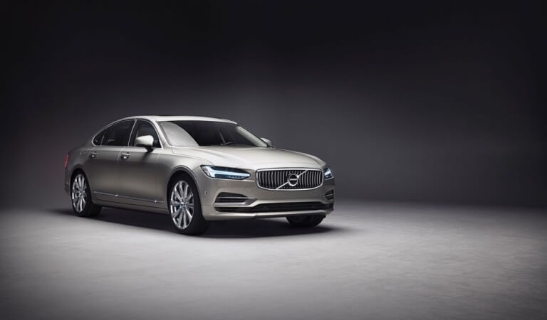 Volvo S90 Ambience Concept takes you from the city to the forest or the lake
