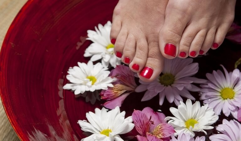 How to do foot scrub at home?