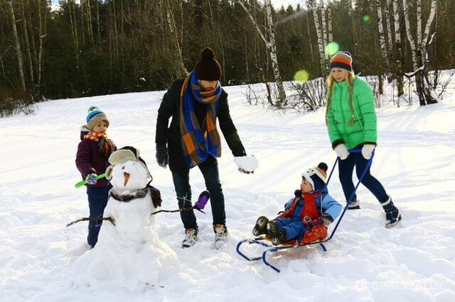 How to spend new year holidays with health benefits?