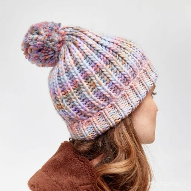 Knitted hat with pompom, Warehouse