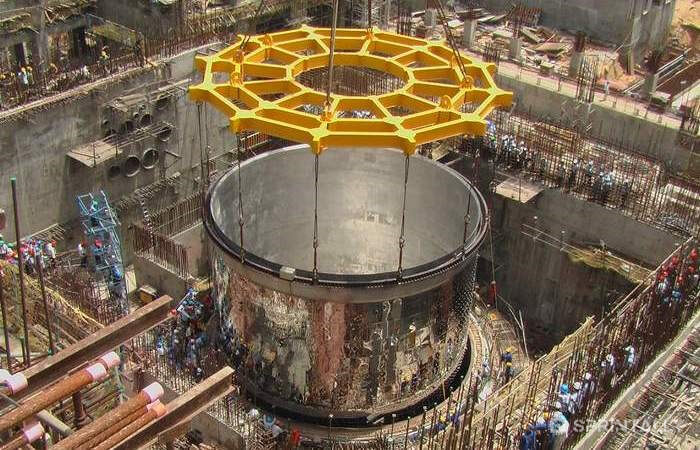 Reactors Based On Liquid Fluoride Thorium