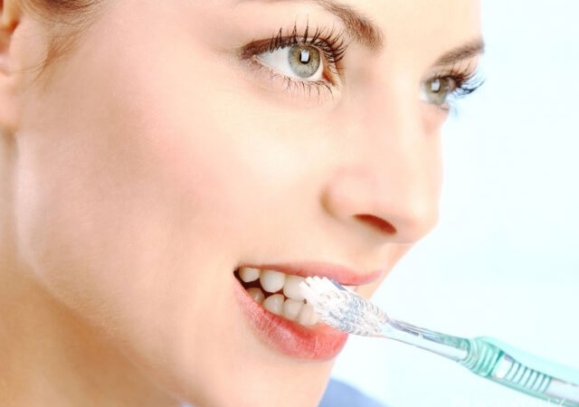 How to brush your teeth: 8 major mistakes