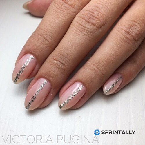 Manicure With Sparkles Or Rhinestones