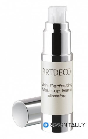 Makeup base from Artdeco