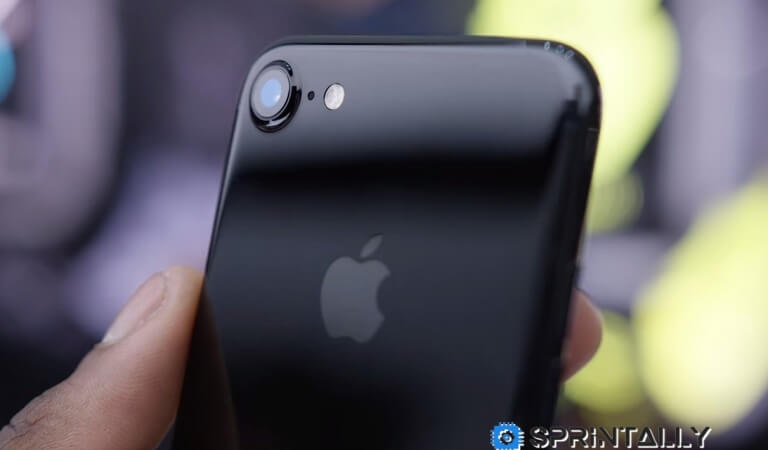 iPhone 7 is the most popular smartphone in the world