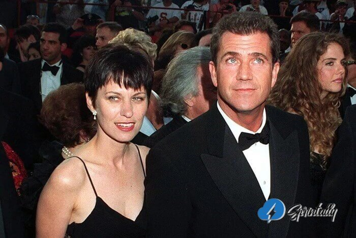 Mel And Robyn Gibson