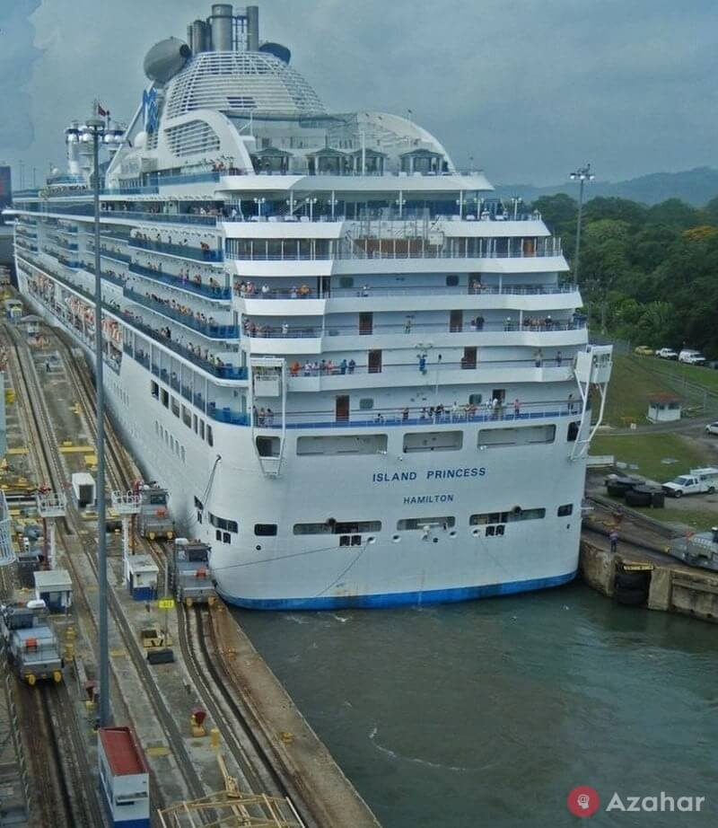 Huge Cruise Ship Passes Through The Panama Canal