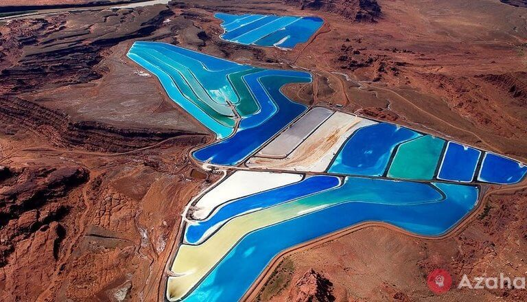 What created the most beautiful ponds in the Utah desert