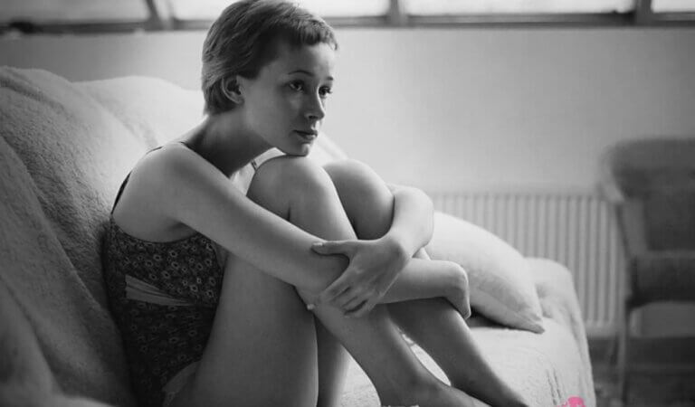 8 causes of chronic loneliness