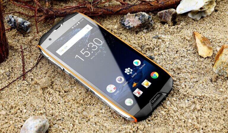 10 best shockproof smartphones till date