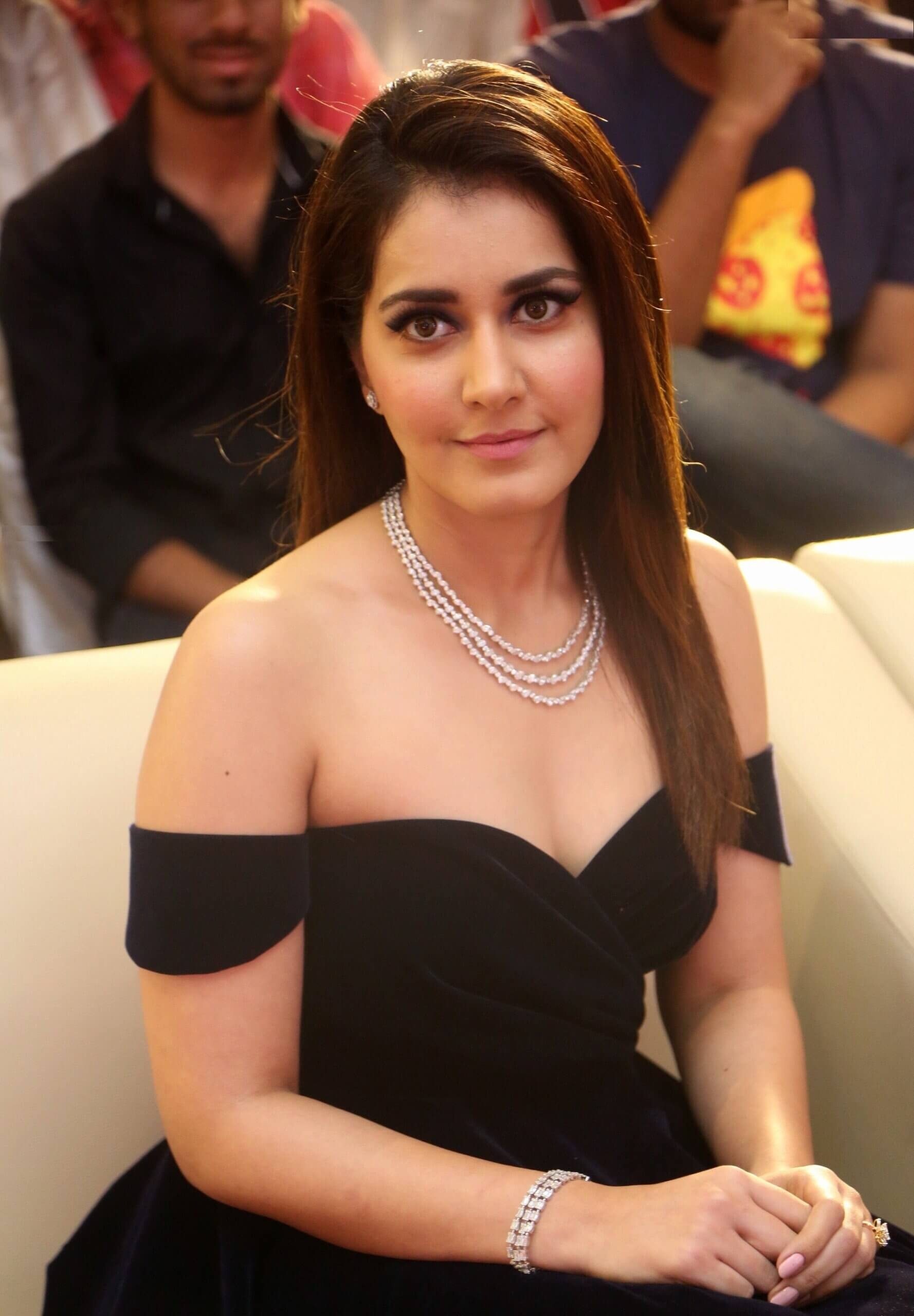 Beautiful Photo Of Raashi Khanna