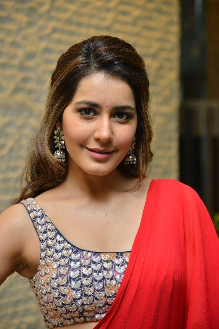 Cute Girl Raashi Khanna