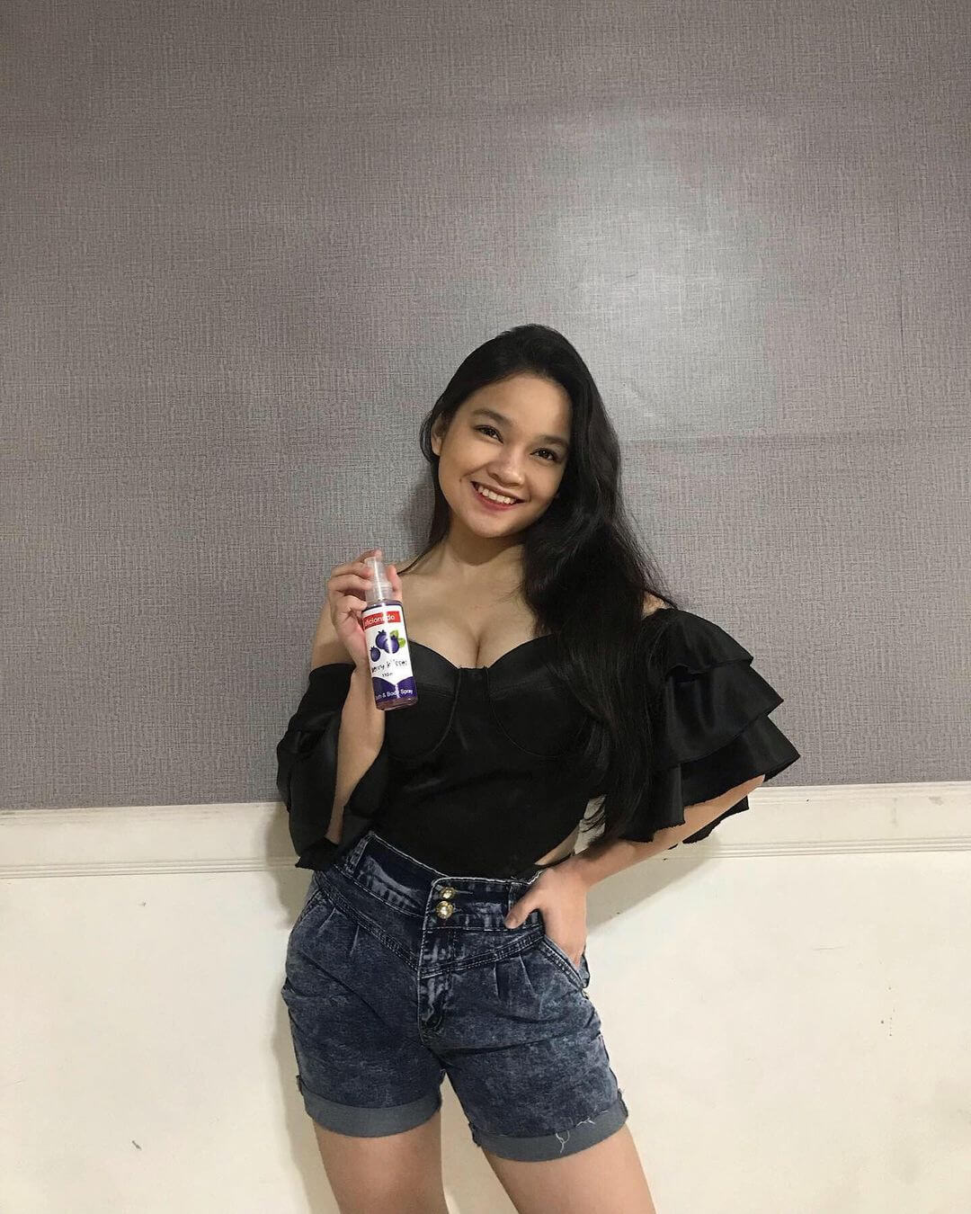 Hot And Sexy Girl Xyriel Manabat