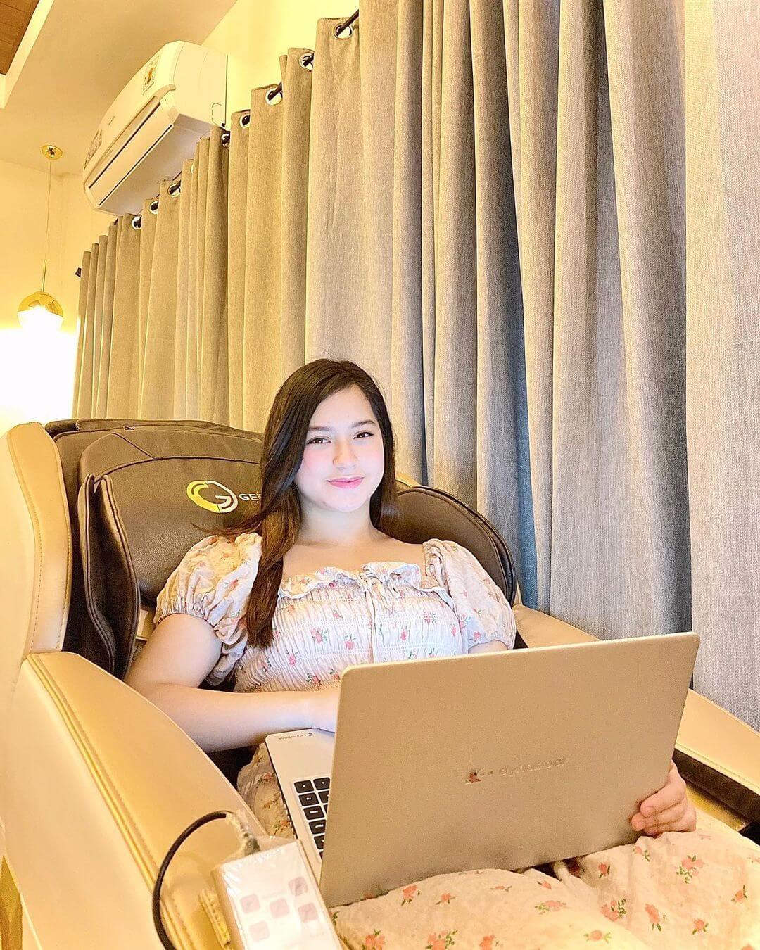 Jillian Ward With Her Laptop