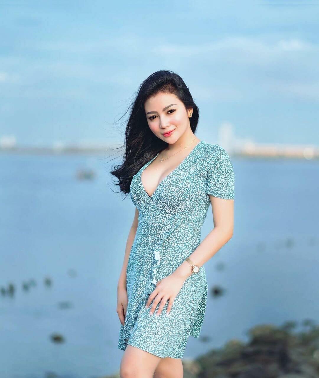 Maria Arra On Light Blue Dress