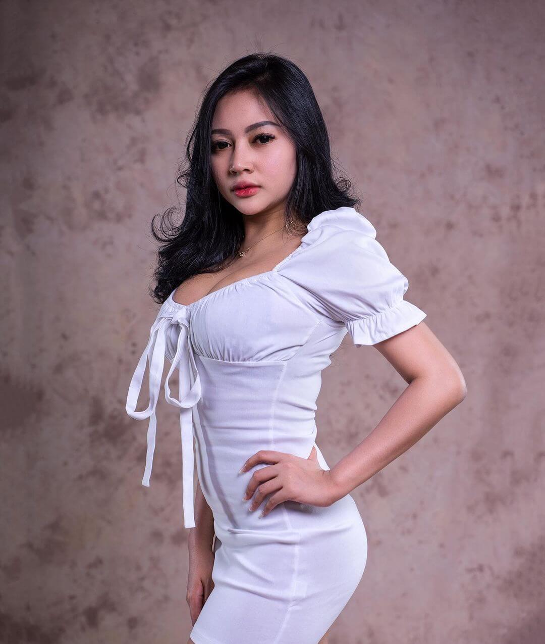Maria Arra On White Dress