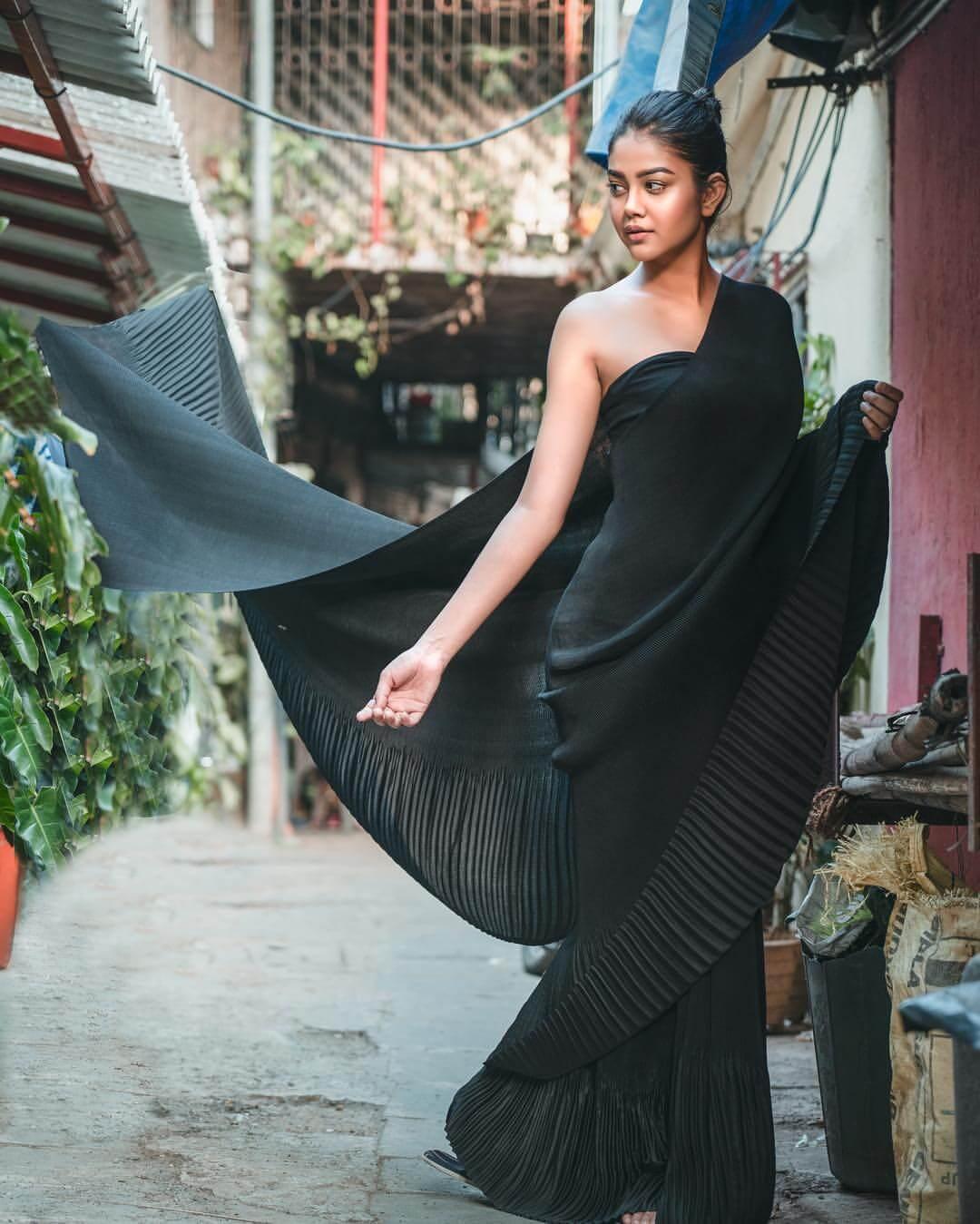Priyal Mahajan On Black Sharee
