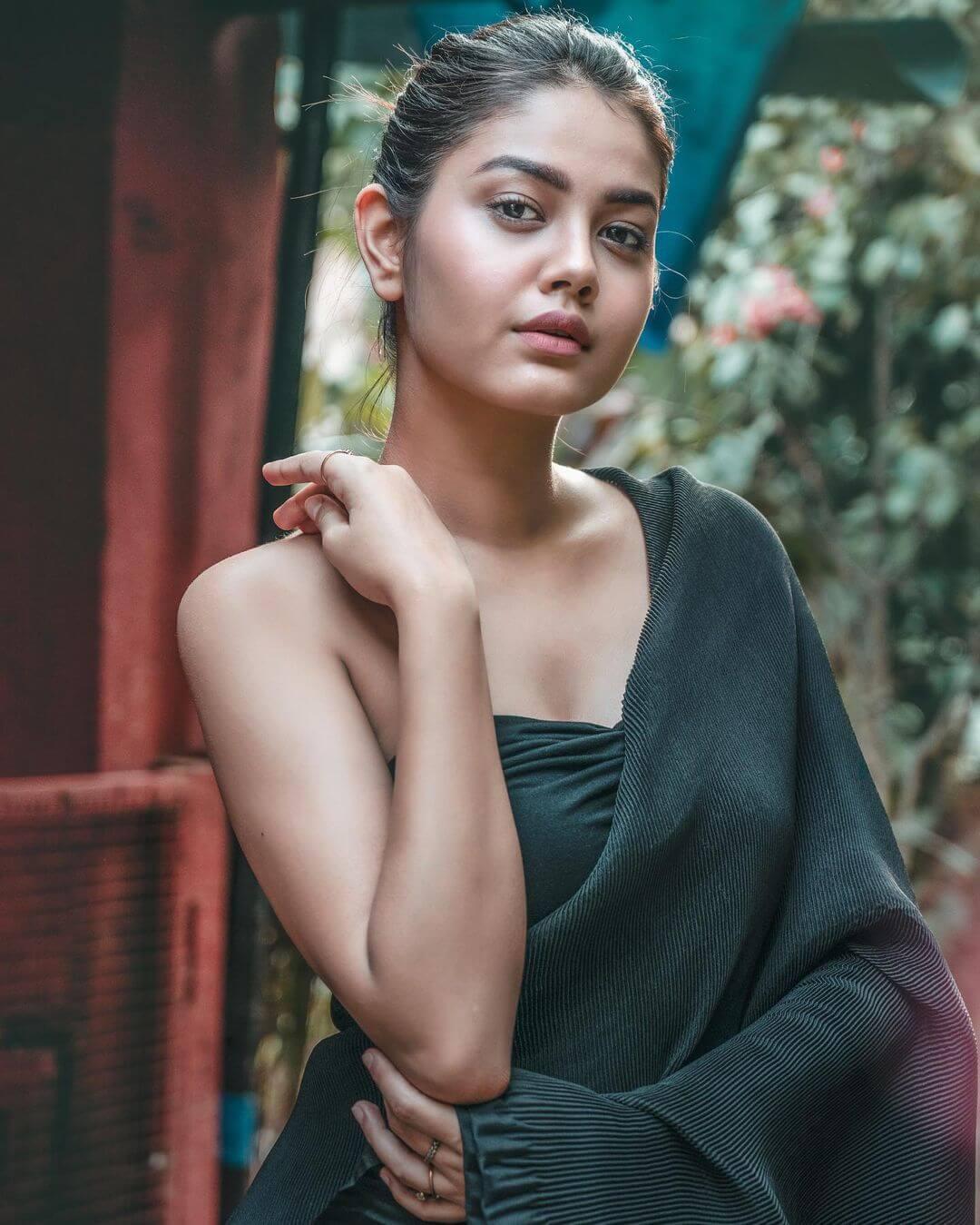 Sexy Priyal Mahajan