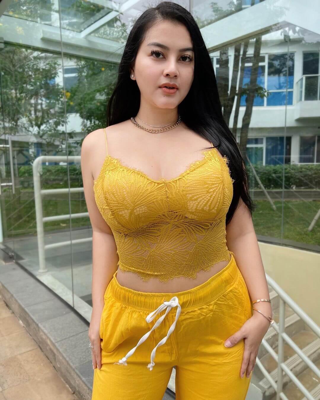 Hot Singer Gita Youbi In Yellow Dress