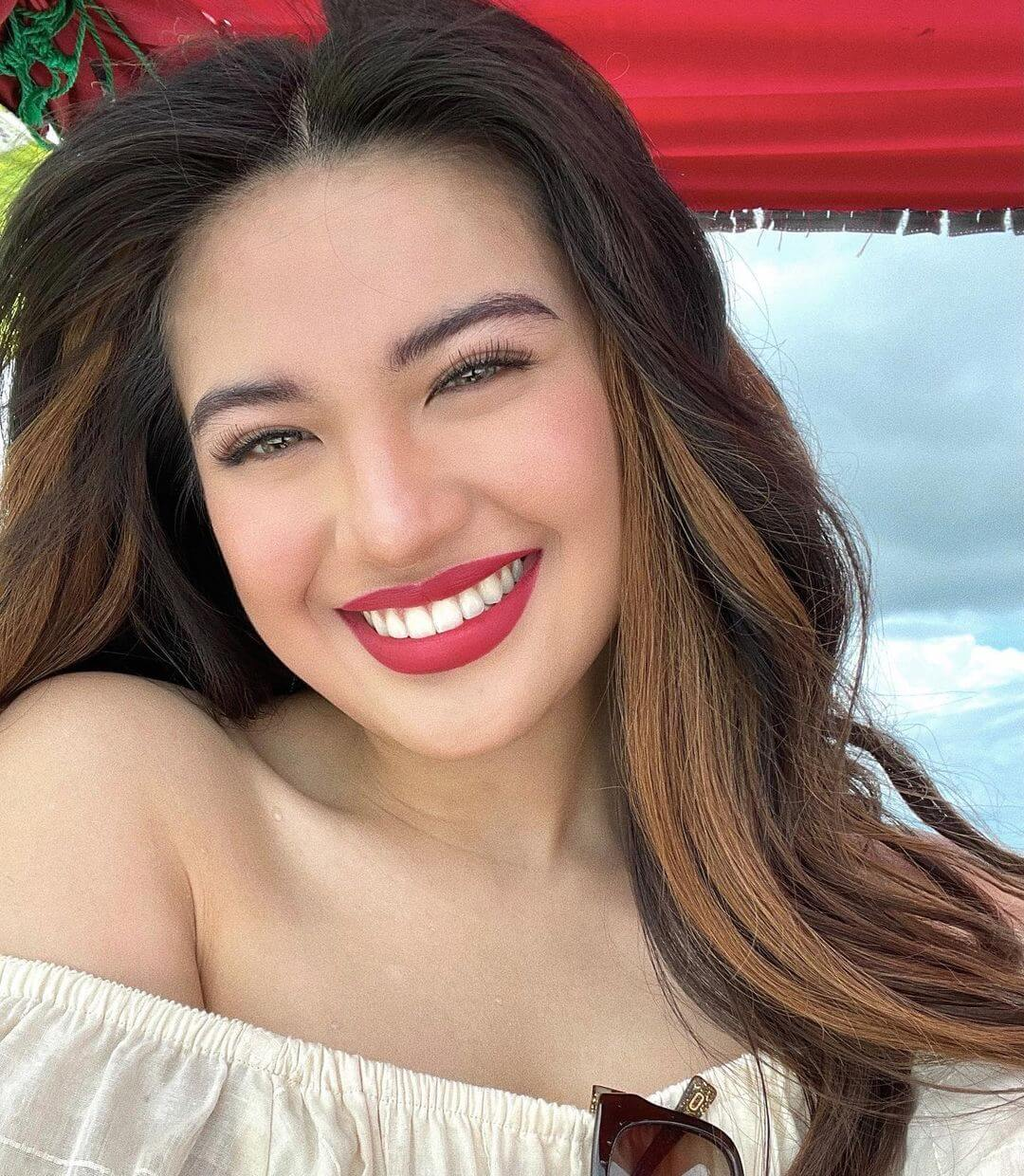 Julie Anne San Jose With Beautiful Smile