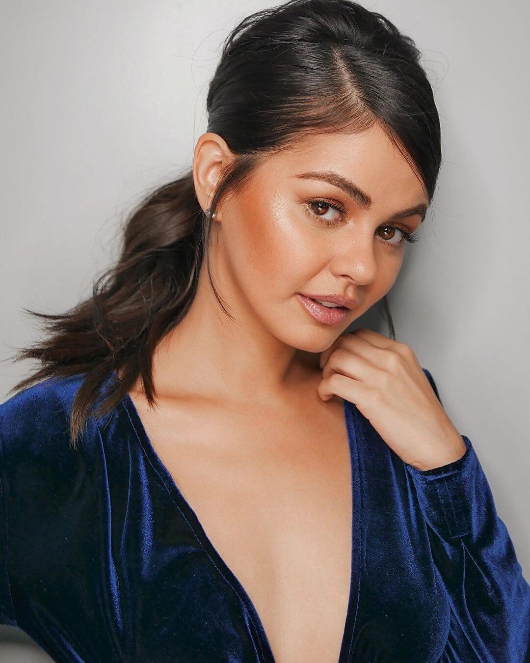Model Janine Gutierrez