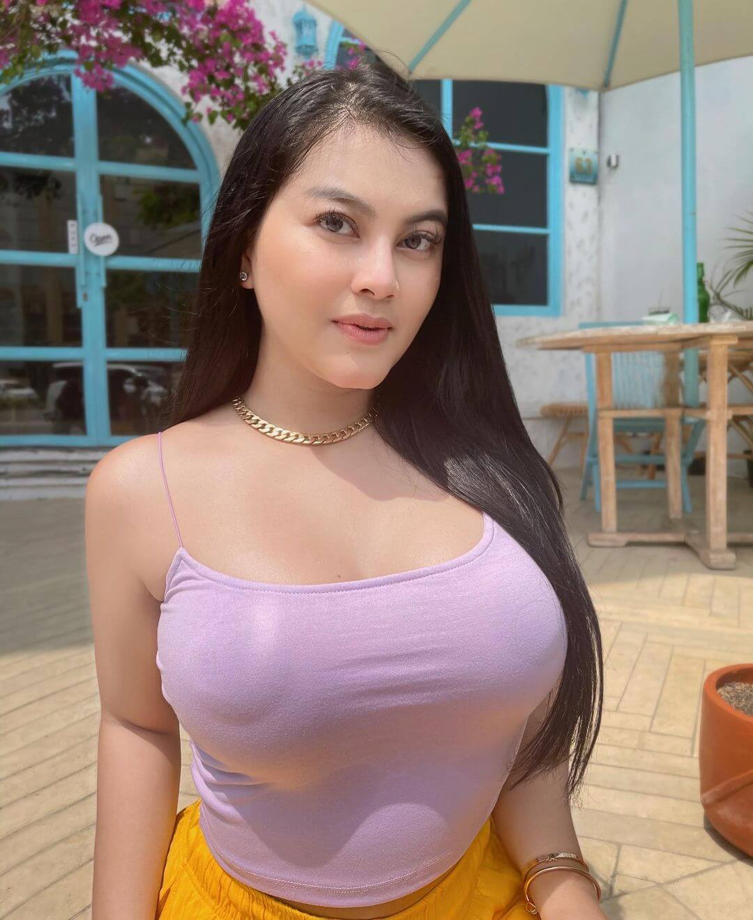 Sweet Singer Gita Youbi