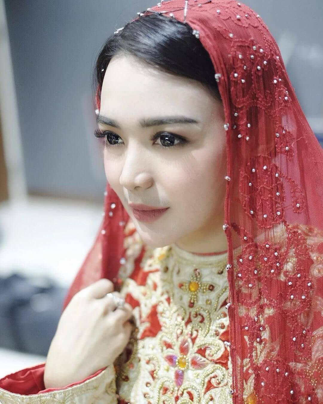 Lovely Indonesian Actress Wika Salim