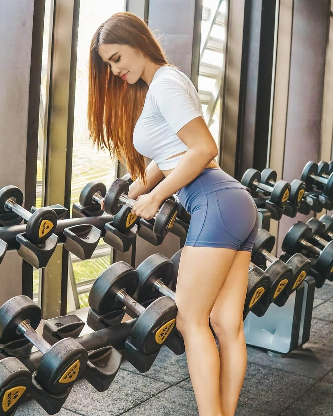 Maria Vania During Workout