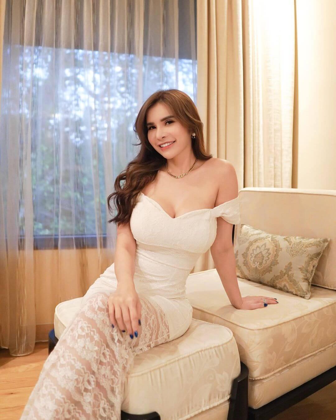 Most Beautiful Indonesian Actress Maria Vania