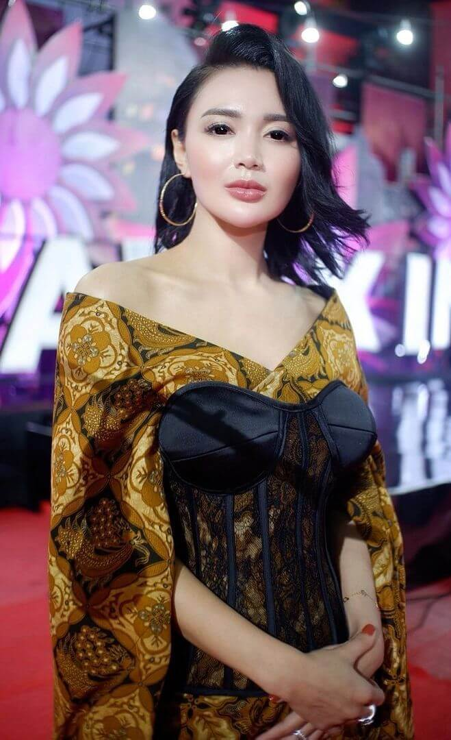Most Beautiful Indonesian Actress Wika Salim