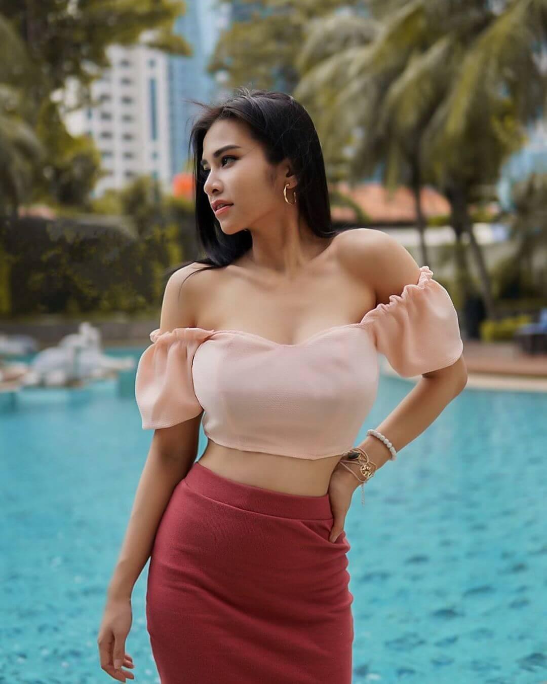 Pretty Indonesian Actress Maria Vania
