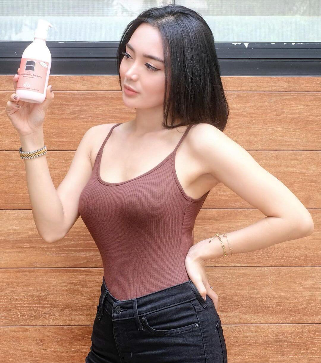 Pretty Indonesian Actress Wika Salim