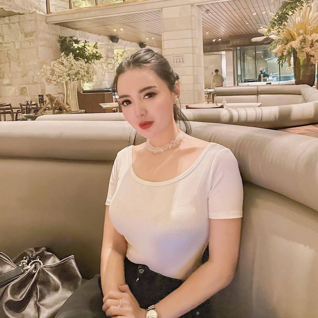 Pretty Indonesian Model Wika Salim Jpg