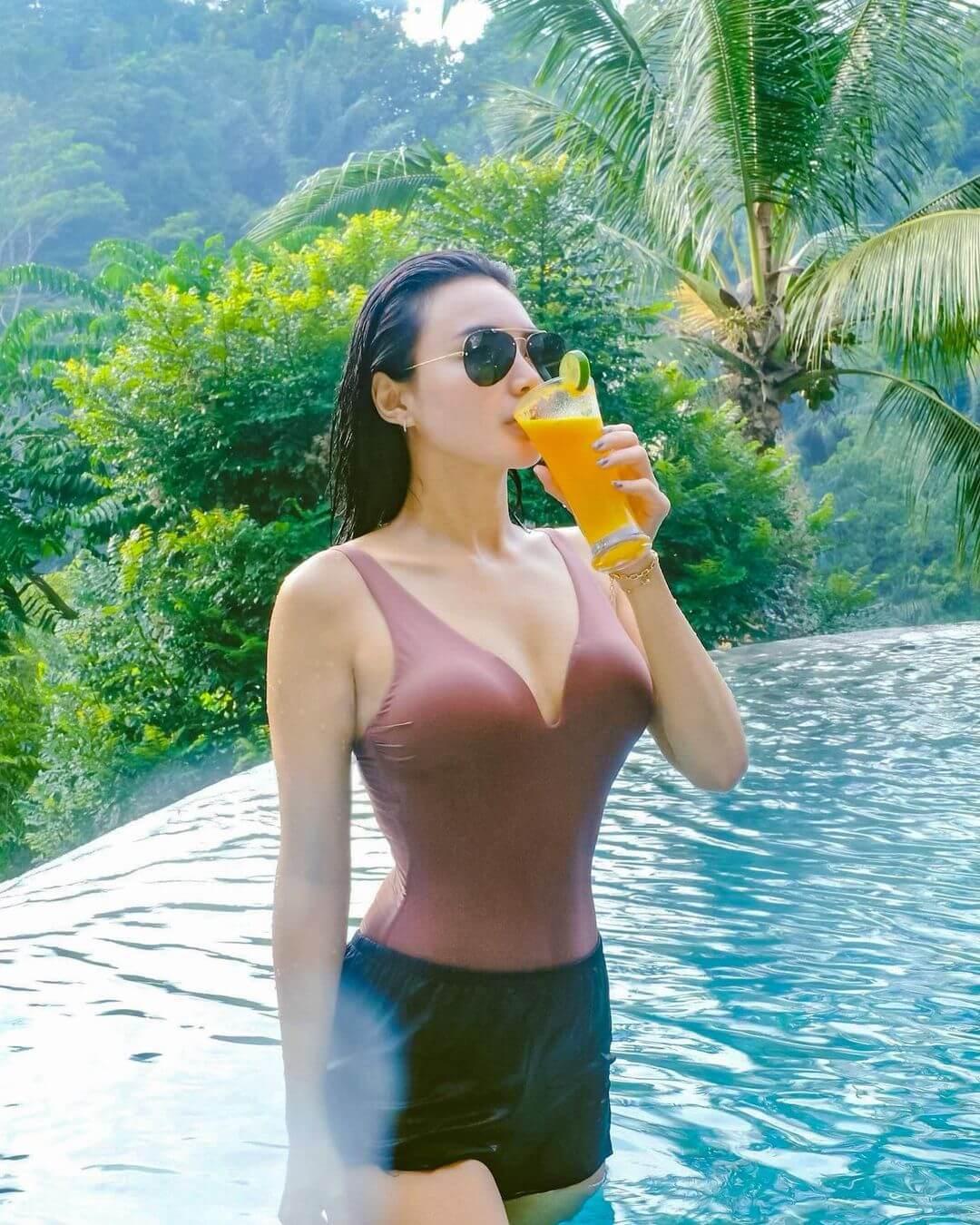 Sexy Indonesian Model Wika Salim Jpg
