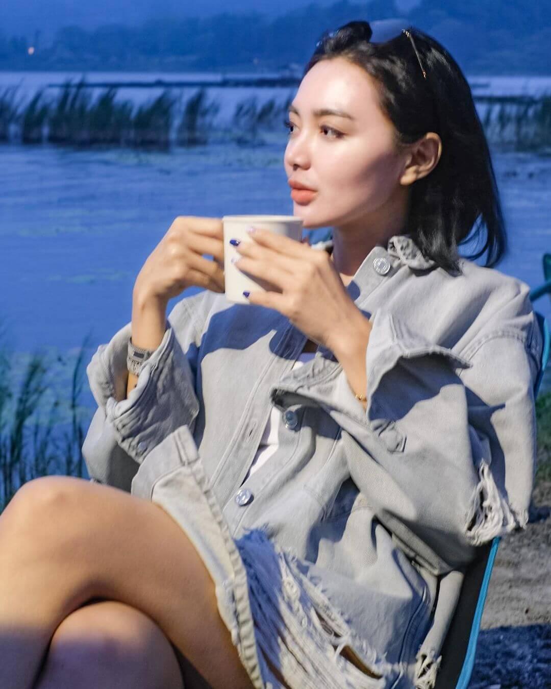Wika Salim Is Drinking Tea
