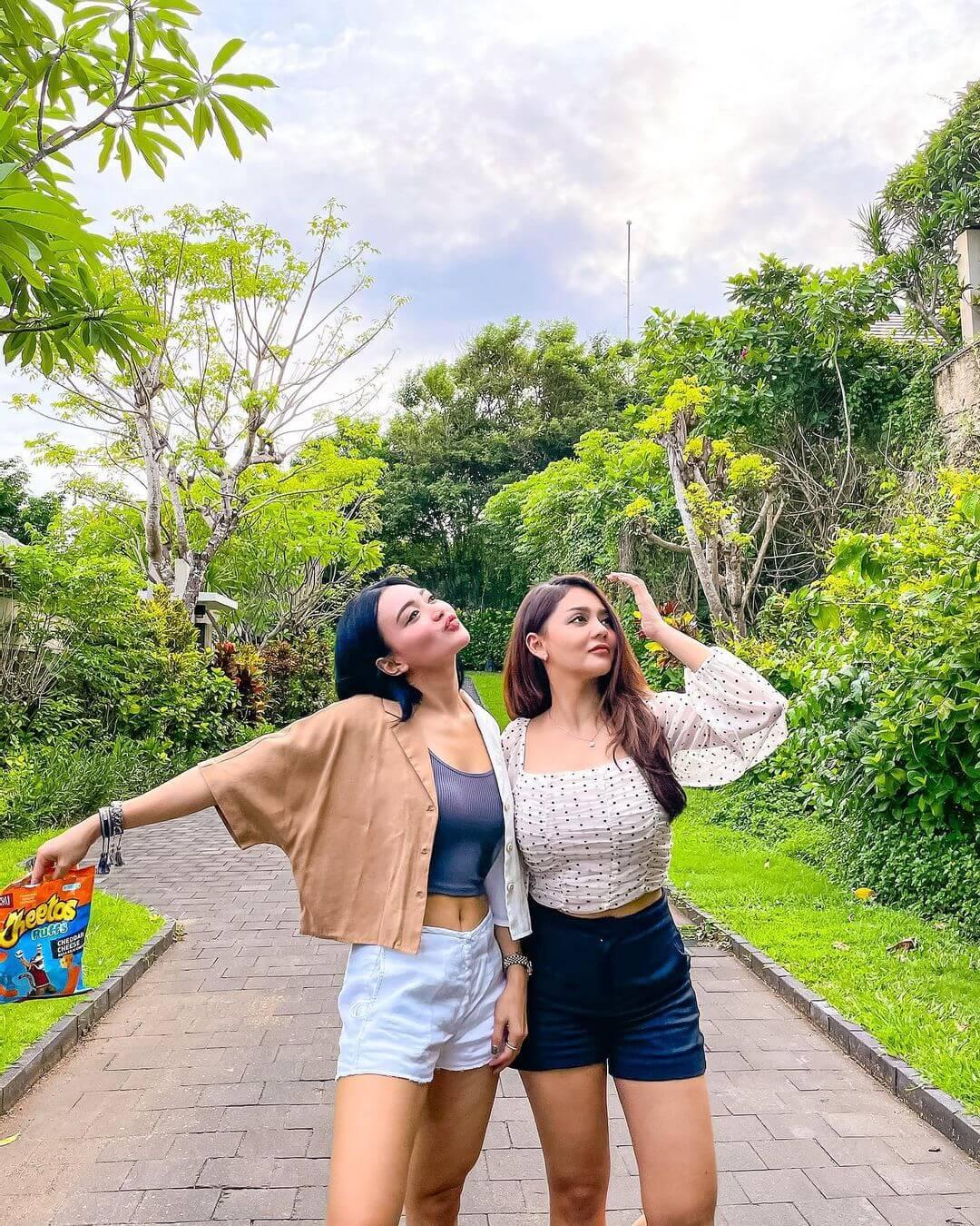 Wika Salim With Her Friend